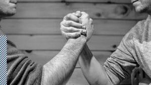 Performance Happiness - Veerkracht in tijden van crisis - strategie en tips om meer veerkracht te ontwikkelen door grote uitdagingen